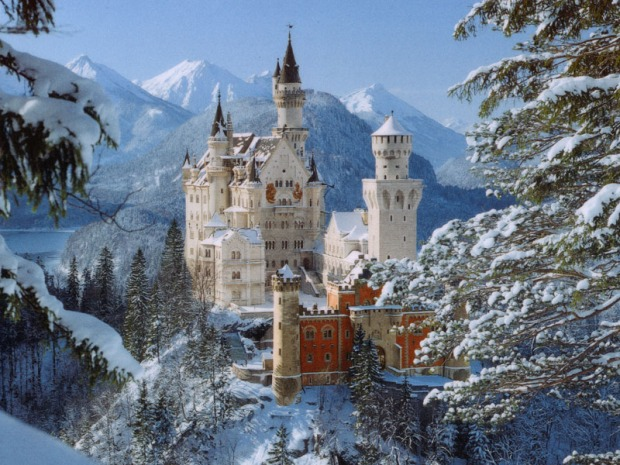 Neuschwanstein Castle Winter Sesion